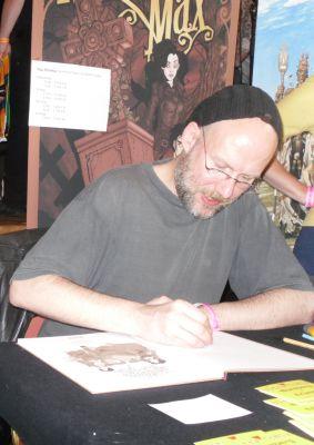 Ingo Römling signiert auf dem Comicfestival in München