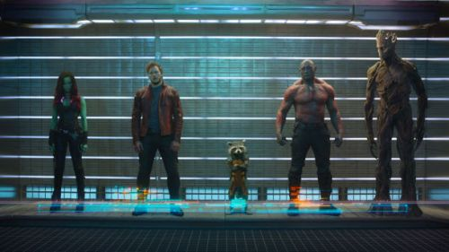 Die Truppe im Film. Ohen Iron Man, aber mit Waschbär.